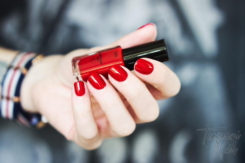 Loreal-Infallible-011-Red-Infaillble