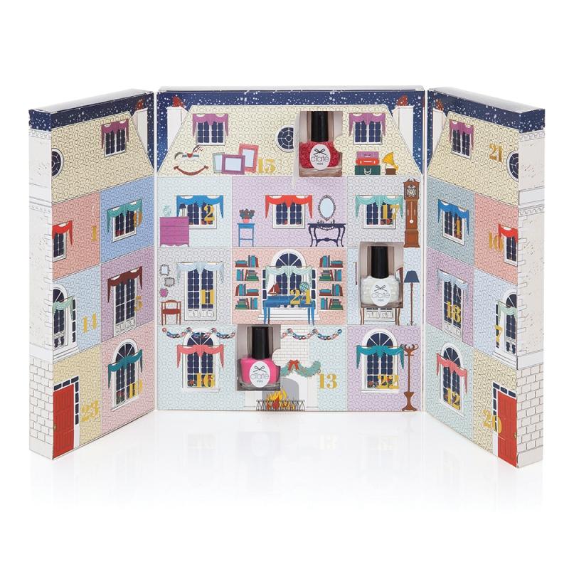 mini-mani-manor-open