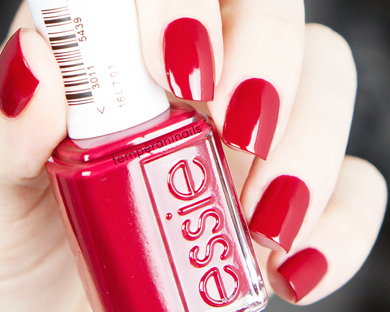 Essie-Winter-2014-jump-in-my-jumpsuit-Jiggle-Hi-Jiggle-Low-swatch